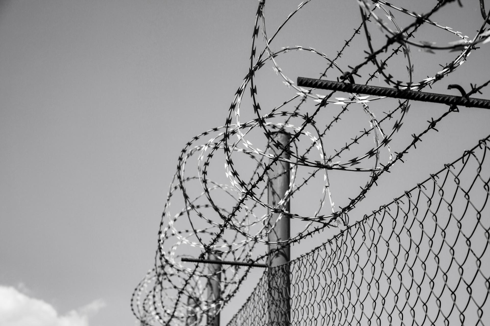 Il mantra securitario non risolverà nulla: appunti su Piazza Dante e la città
